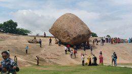 Crowds at Mahabalipuram